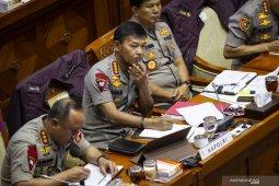 Komisi III DPR pertanyakan posisi Firli Bahuri di Polri