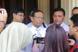 Menkopolhukam Mahfud sambut baik pimpinan KPK ajukan Judicial Review UU KPK