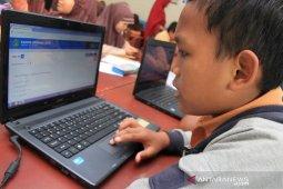 Simulasi ujian semster berbasis online di Aceh
