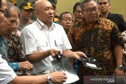 Menkop UKM Teten: Cangkul buatan Sukabumi lebih berkualitas dibanding impor