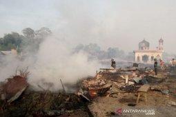 Ratusan rumah hangus terbakar, polisi selidiki penyebabnya