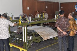 Balai Kemenperin ciptakan teknologi batik cap otomatis berbasis PLC