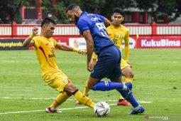 Arema FC Ditahan Imbang Kalteng Putra