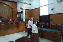Komedian Nunung dan suami akhirnya divonis 1,5 tahun penjara