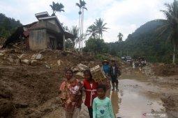 Jumlah pengungsi banjir di Solok Selatan bertambah