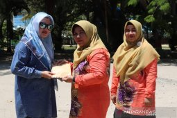 TP PKK HSS serahkan bantuan untuk korban kebarakan Pulau Sebuku