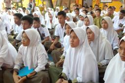 Sekda Gorontalo motivasi siswa SMAN I Pulubala