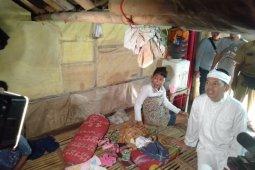 Empat keluarga terdampak abrasi pantai Karawang akhirnya direlokasi