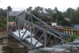 PUPR Bengkulu kerahkan alat berat perbaiki jembatan Air Nipis