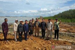 DPRD Singkawang tinjau penutupan muara sungai Kuala