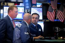 Wall Street bervarisi, Nasdaq berakhir di rekor tertinggi