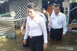 Tjhai Chui Mie pantau ketinggian air di kawasan banjir