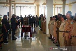 Gubernur Dominggus ingin kepala SMA/SMK Papua Barat kreatif