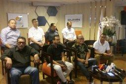 Erick-Komisaris berhentikan sementara Direksi Garuda
