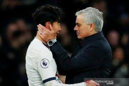 Mourinho puji penampilan pemain Tottenham komplit saat lumat Burnley
