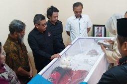 Sekjen PDI Perjuangan melayat almarhumah aktivis 98 di Surabaya