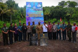 Dua prasasti dipasang di Raja Ampat perbatasan Indonesia-Palau