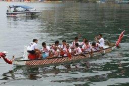 Lomba Solu Bolon  diikuti 9 tim perahu