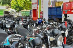 Pemerintah kabupaten dan kota diminta tertibkan antrian BBM