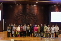 Guru Besar Sosial Humaniora UI rilis buku