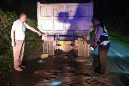 Pengendara motor tewas tabrak truk rusak di Simalungun