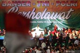 Banser TNI Polri bersholawat