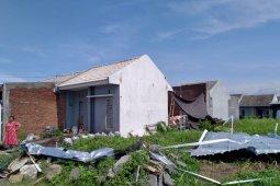 Puting beliung amuk Jember,  puluhan rumah rusak