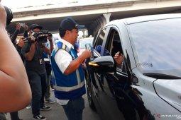 Minggu pagi ini jalan Tol Jakarta-Cikampek II dibuka untuk umum