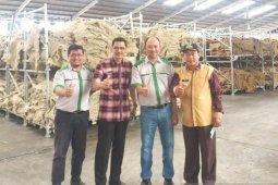 Produk karet  olahan Samarinda  diekspor keluar negeri