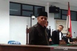 Mantan Bupati Simeulue minta dibebaskan dari dakwaan korupsi