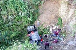 Kendaraan pickup terjun ke jurang di Aceh Tengah