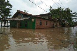 Banjir di Karawang sebabkan 7.986 jiwa terdampak