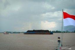 Gelombang perairan Kalsel capai 4 meter