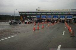 Tol Jakarta-Cikampek ramai lancar saat akhir libur sekolah