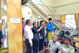Pastikan pelayanan pajak berjalan baik, Komisi II tinjau Samsat Kota Jambi