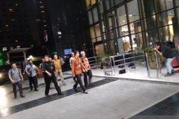 Ketua KPU datangi gedung KPK