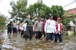 Danrem 091/ASN dan Forkopimda Kota Samarinda Tinjau Banjir