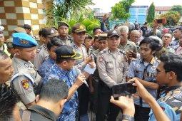 Kadis Dukcapil Asahan hadapi aksi demo kekosongan blangko KTP
