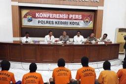 Polisi Kediri ungkap praktik panti pijak plus-plus