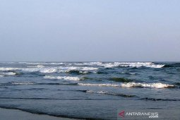 Warga diimbau waspadai gelombang tinggi di laut selatan Jabar, Jateng dan DIY