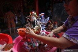 Cuci Patung Dewa