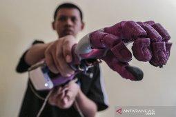 Tangan Bionik buatan siswa SMK