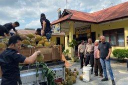Polres Metro gagalkan penyelundupan seperempat ton  ganja lewat truk durian