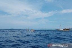 Wartawan cari keterangan pelengkap saat kapal pinisi terbalik