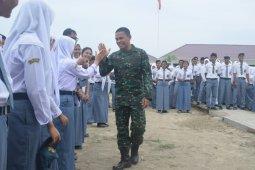 Dandim 0204/DS sampaikan wawasan kebangsaan kepada siswa