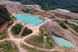 Bekas tambang batu bara terbengkalai