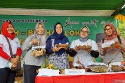 Pengunjung terpukau dengan eksotik buah lokal Kalbar