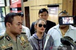 Siti Badriah tegaskan hanya pengisi acara di