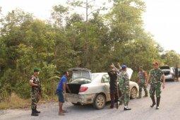 TNI gagalkan penyelundupan mobil hasil perampokan asal Malaysia di Bengkayang