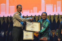 LKBN Antara mendapat penghargaan dari BNPB